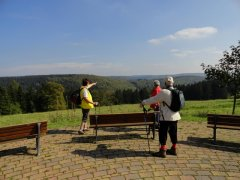 Frauenwald-panoramaring-blk-ueber-traenkbachtal.JPG
